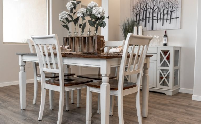 dining room farmhouse luxury vinyl flooring